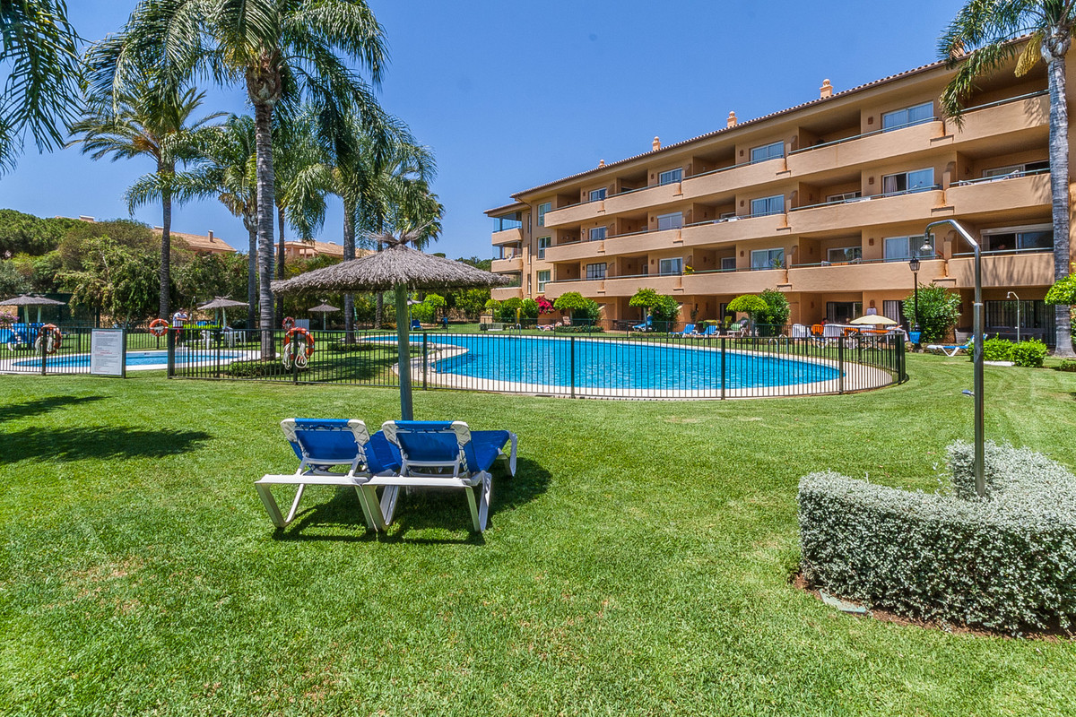 Bright and sunny top floor apartment in Los Patios, 50 meters from the Santa Maria Golf club, a full,Spain