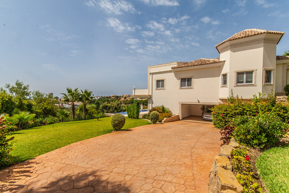 Hus in Elviria R2981681 1