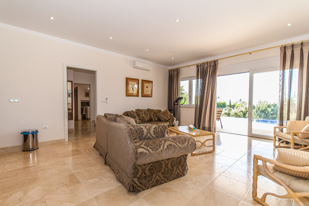 House in Elviria R2981681 11