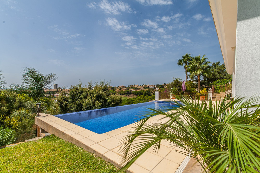 House in Elviria R2981681 2