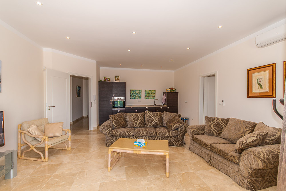 House in Elviria R2981681 20