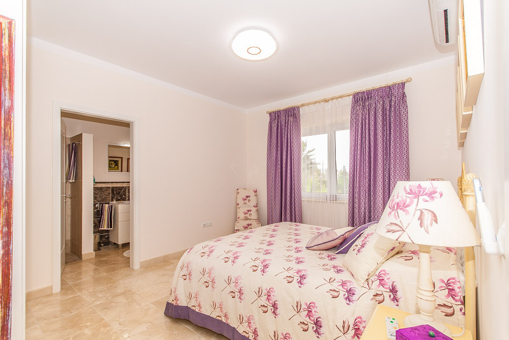 House in Elviria R2981681 21
