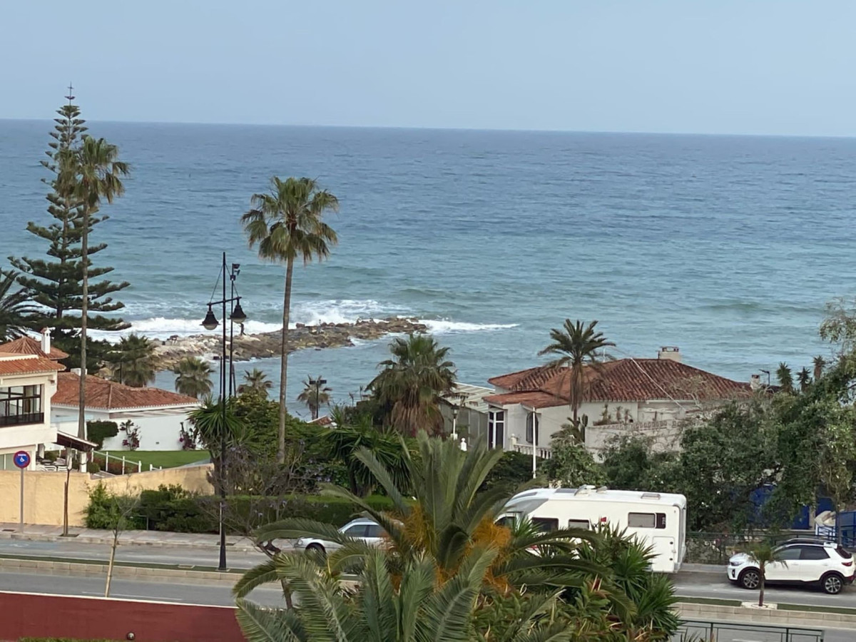 GREAT INVESTMENT,  Luminous townhouse of 265 m2 in Torreblanca down to 4 minutes walk to the beach. ,Spain