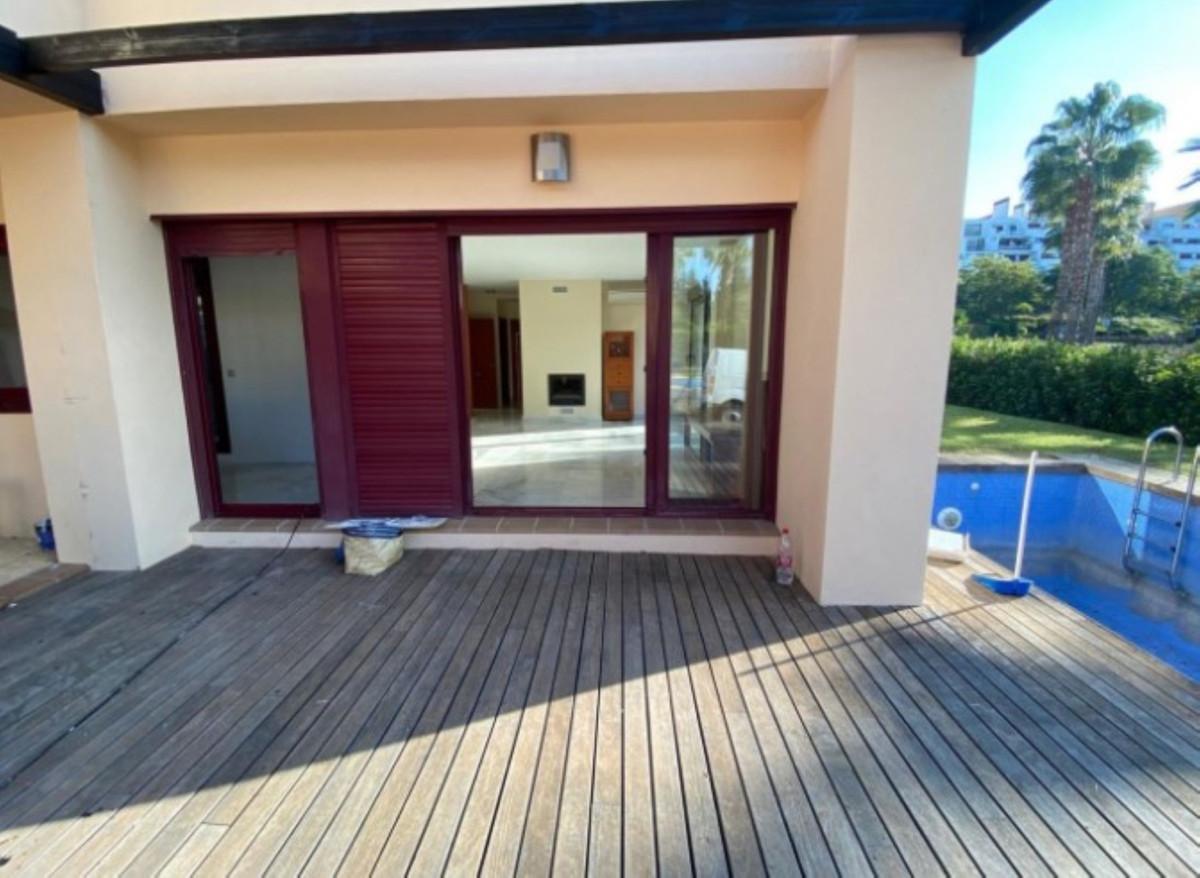 R3803014 | Detached Villa in Benahavís – € 299,000 – 2 beds, 2 baths