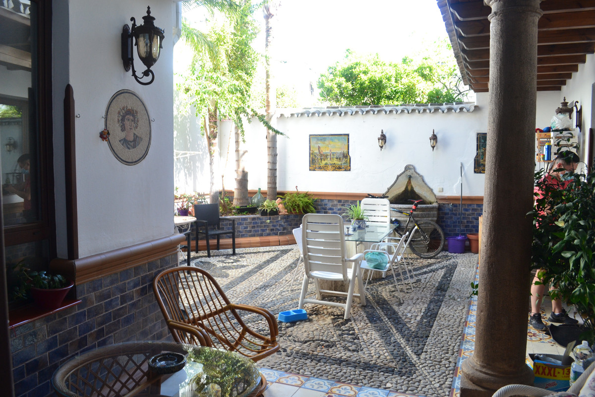 Beautiful large spanish town house located in the heart of Alhaurin el Grande close to schools, shop,Spain