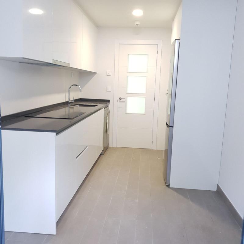 Apartamento Planta Media en venta en Marbella – R3386023