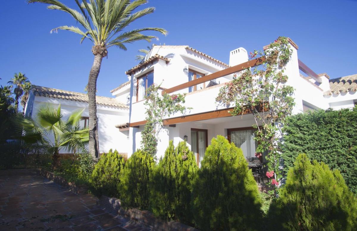 Marbella Banus Villa – Chalet en Venta en Marbesa – R3300010