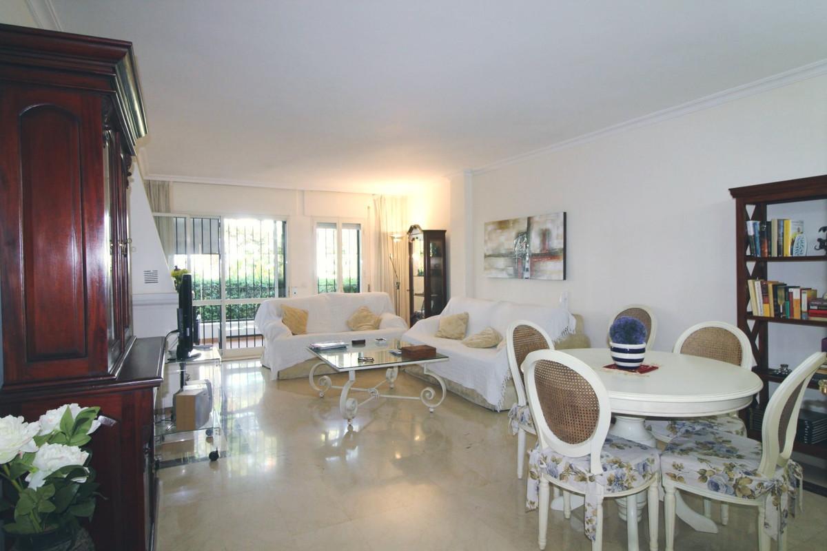 Apartamento en Venta en San Pedro de Alcántara – R3668663