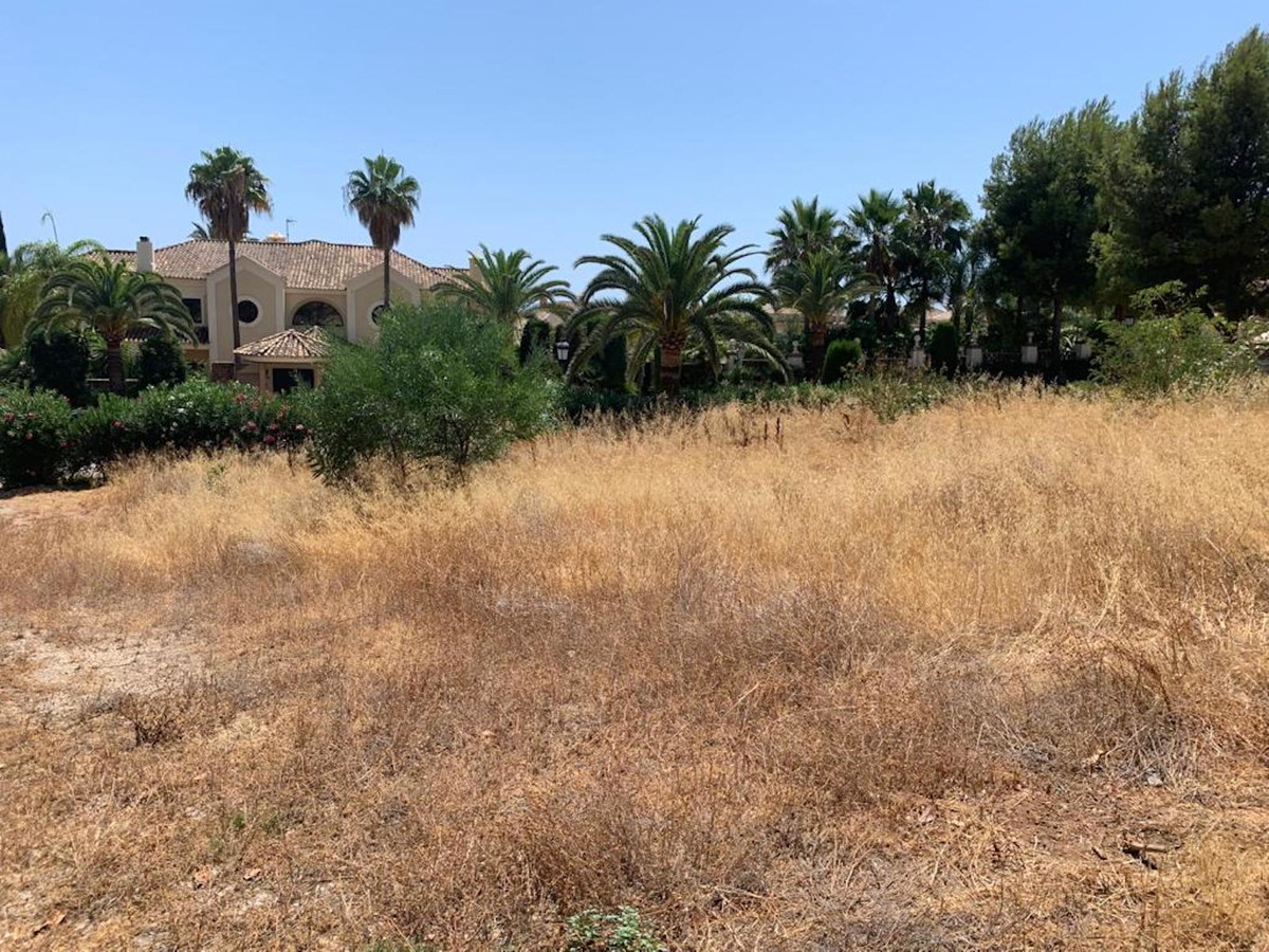 OUTSTANDING PLOT. A unique opportunity to acquire a plot with incredible views to build your dream v,Spain