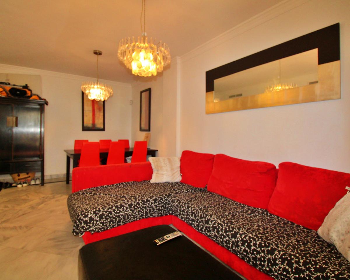 Apartamento Planta Media en Venta en Nueva Andalucía – R3719597