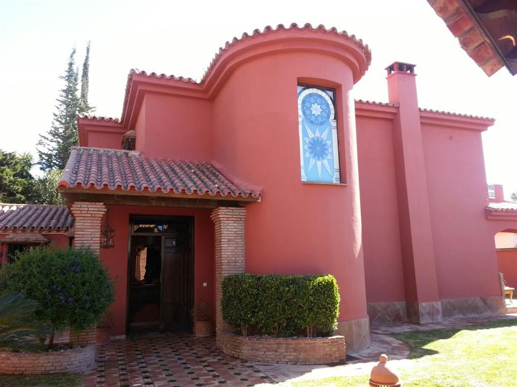 Charming house located on the top of Marbella. Close from bus station. The house has 4 bedrooms, a l,Spain