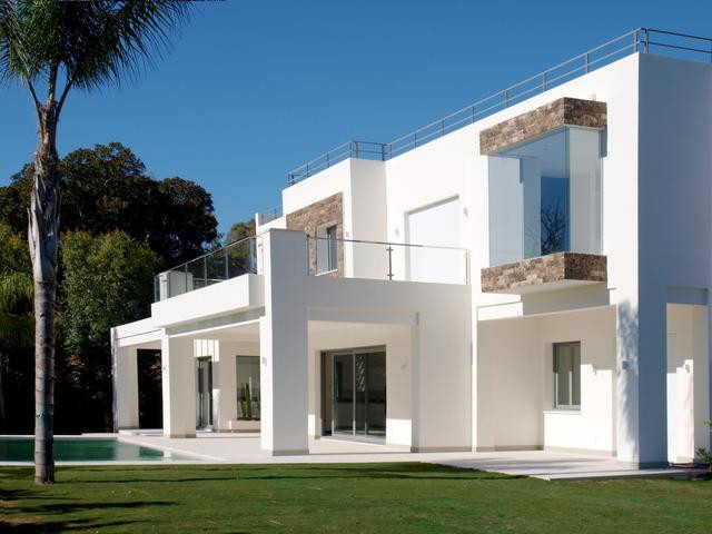 Authentic paradise, this area gathers the most beautiful villas of Marbella and Estepona. Exposed to,Spain