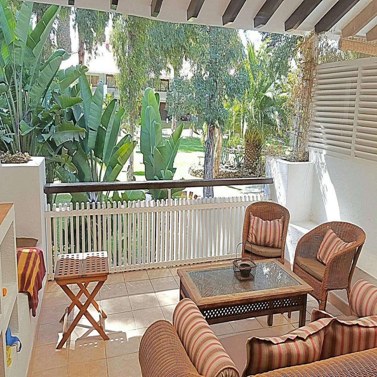 Apartment in Puerto Banus, fully equipped with two bedrooms and two bathrooms. Spacious with a large,Spain