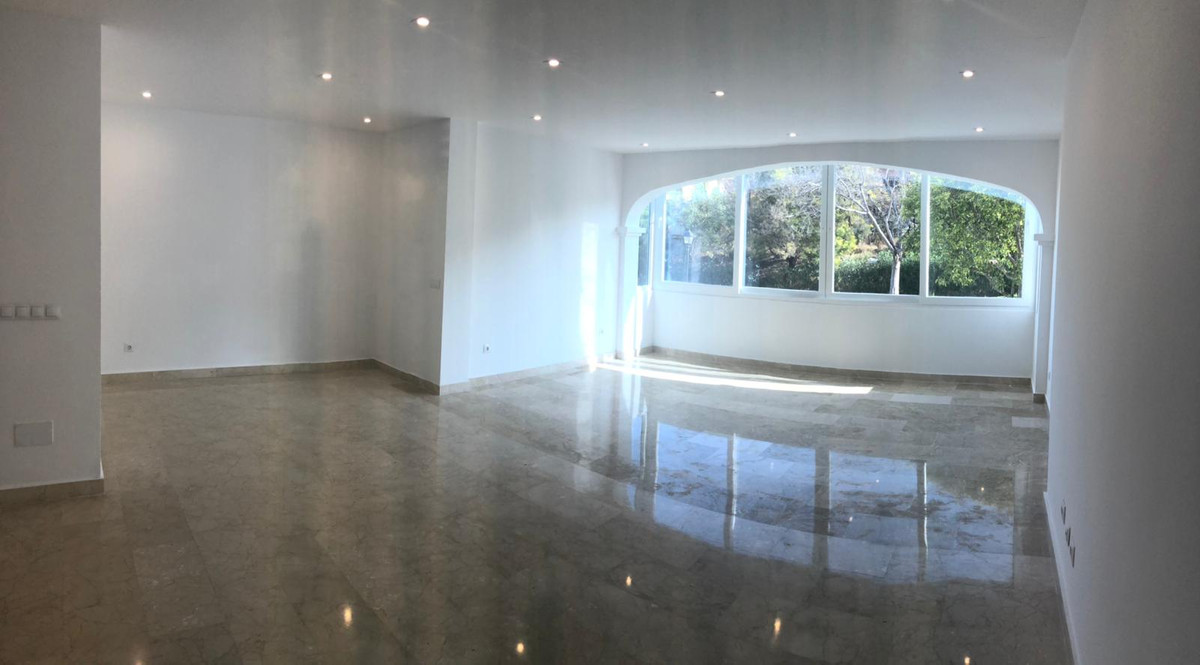 House for Sale in Aloha, Costa del Sol