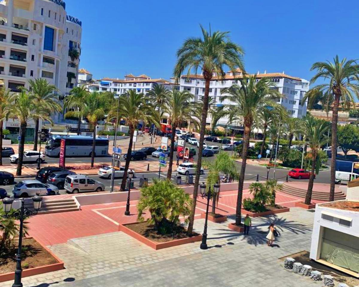Marbella Banus Apartamento Planta Media en Venta en Puerto Banús – R3726068
