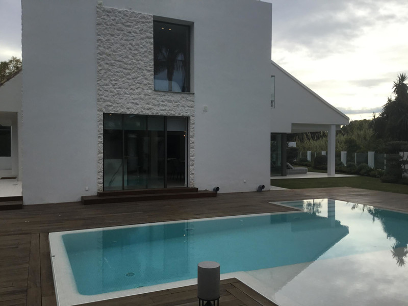 Villas for sale in Puerto Banus 25