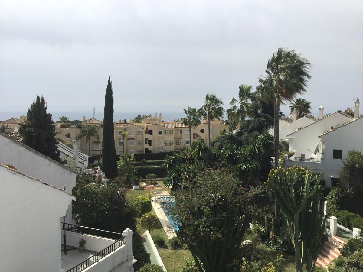 Marbella Banus Adosada en Venta en Nagüeles – R3505885