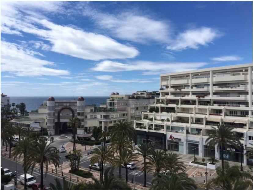 Marbella Banus Apartamento en Venta en Puerto Banús – R3017582