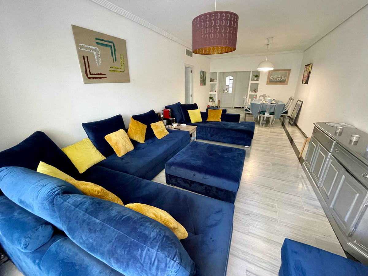 Beautiful apartment located only 2 minutes walk to the beach. It consist of 3 bedrooms, 2 bathrooms, Spain