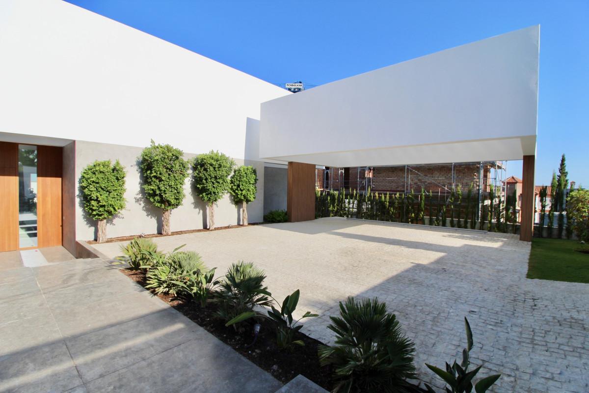Villa en Venta en Los Flamingos – R3499420