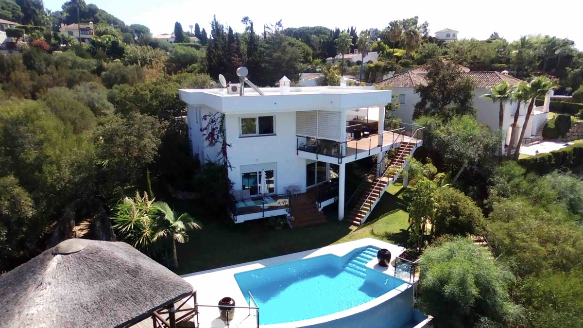 Villa with sea view and views of GreenLife Golf in Marbella. Contemporary villa completed in 2017, L, Spain