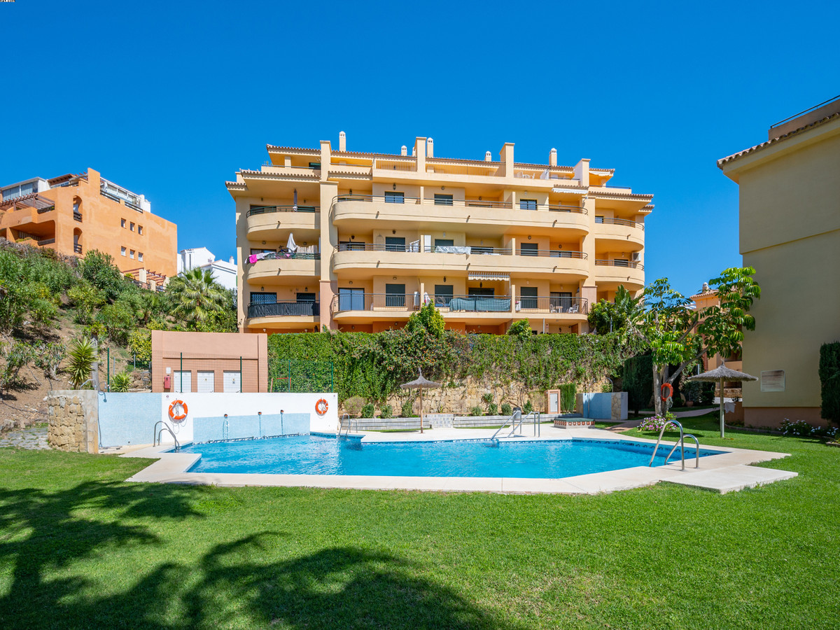 BARGAIN! Fantastic, elevated 2/2 ground floor apartment with a spacious sunny terrace, lovely open v, Spain