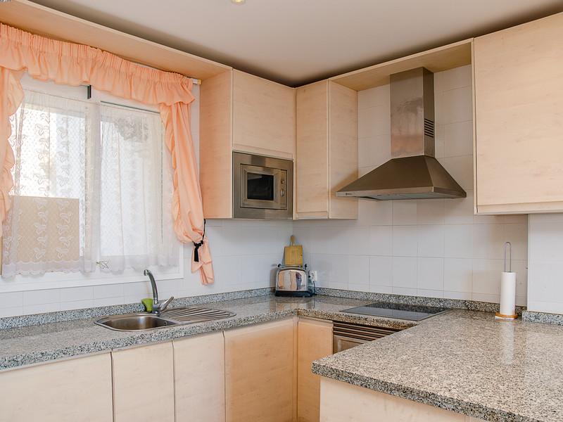 Apartamento Planta Media en venta, Calahonda – R3584584