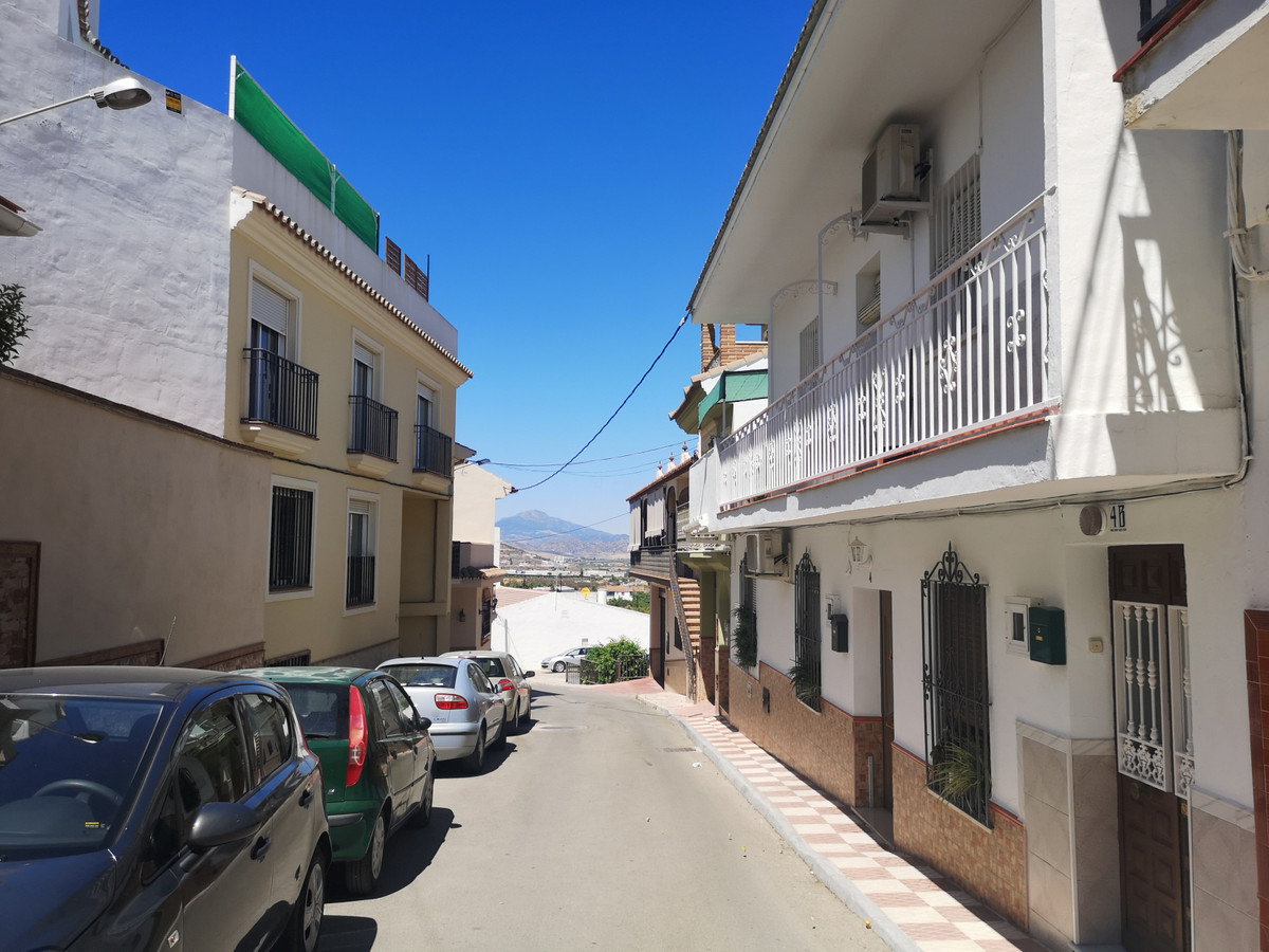 Traditional Spanish, well built, spacious duplex property with a private terrace and a roof solarium, Spain