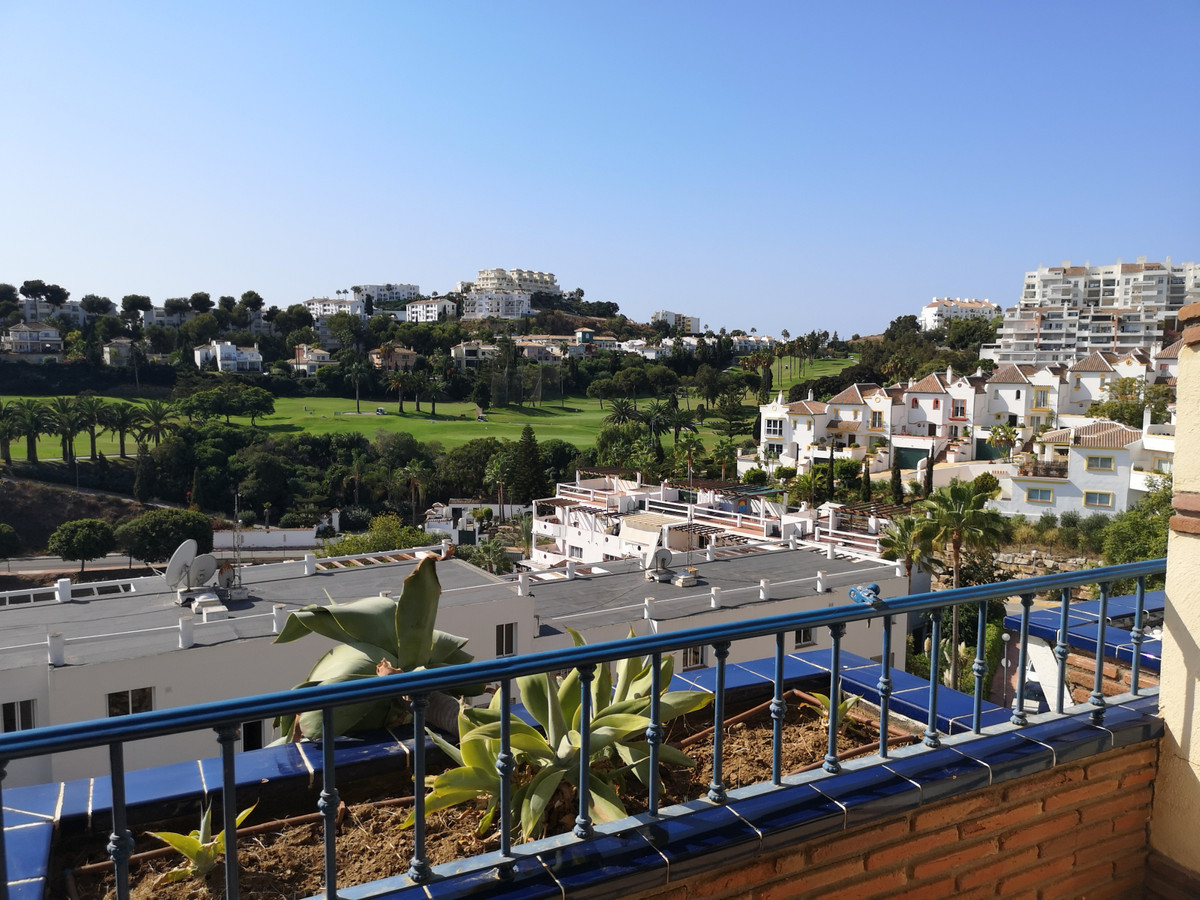 A fantastic, spacious 2 bedroom, 2 bathroom apartment with a large, sunny terrace and beautiful pano,Spain