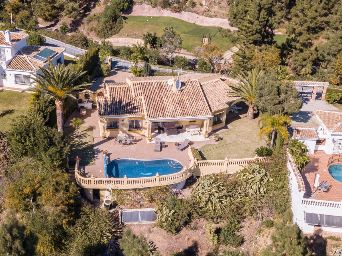 **JUST REDUCED FROM €750,000**Family one level bungalow situated in the tranquil area of El Chaparra,Spain
