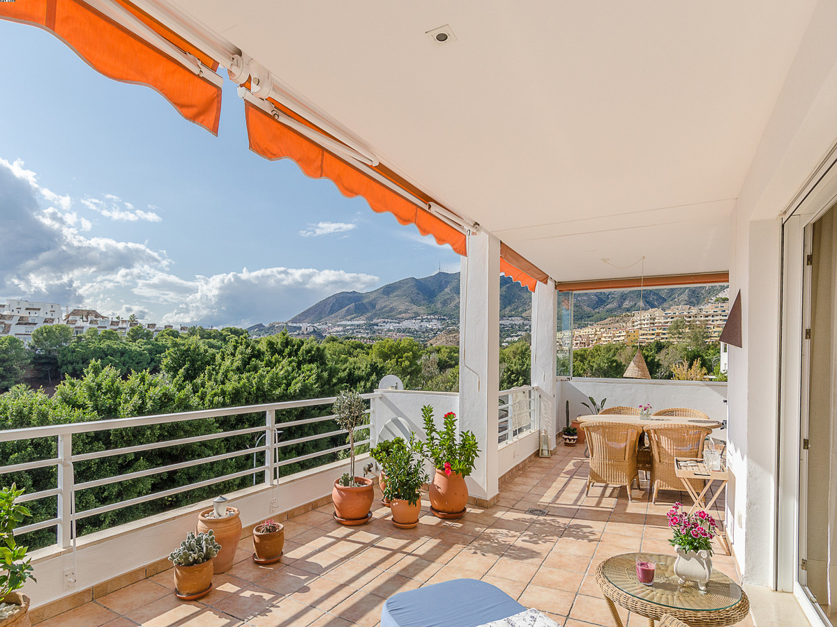PRICE JUST REDUCED!! A fantastic, very large 3 bedroom, 2.5 bathroom apartment with a very spacious ,Spain