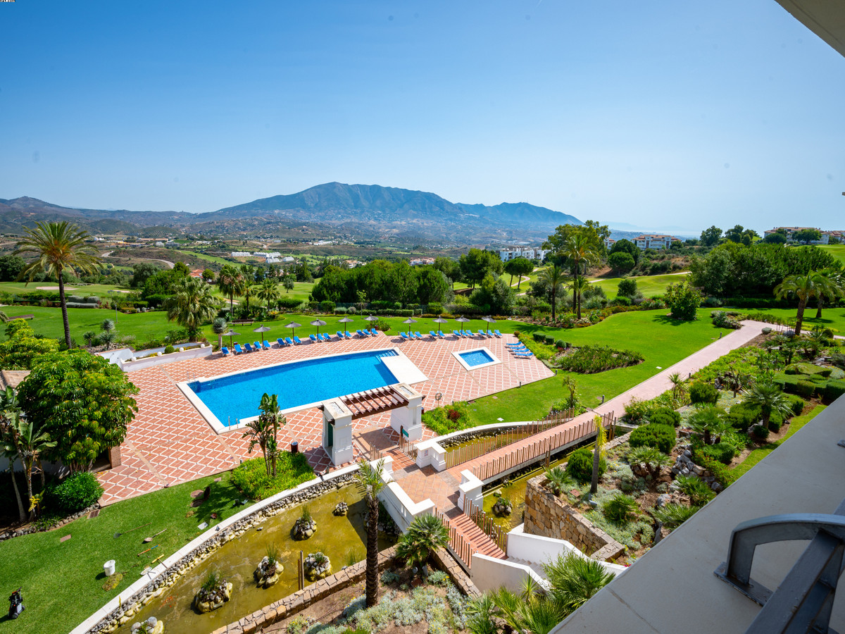 This Spacious 3 bed, 2 bath apartment with Golf views is situated in La Cala Golf resort. This moder,Spain
