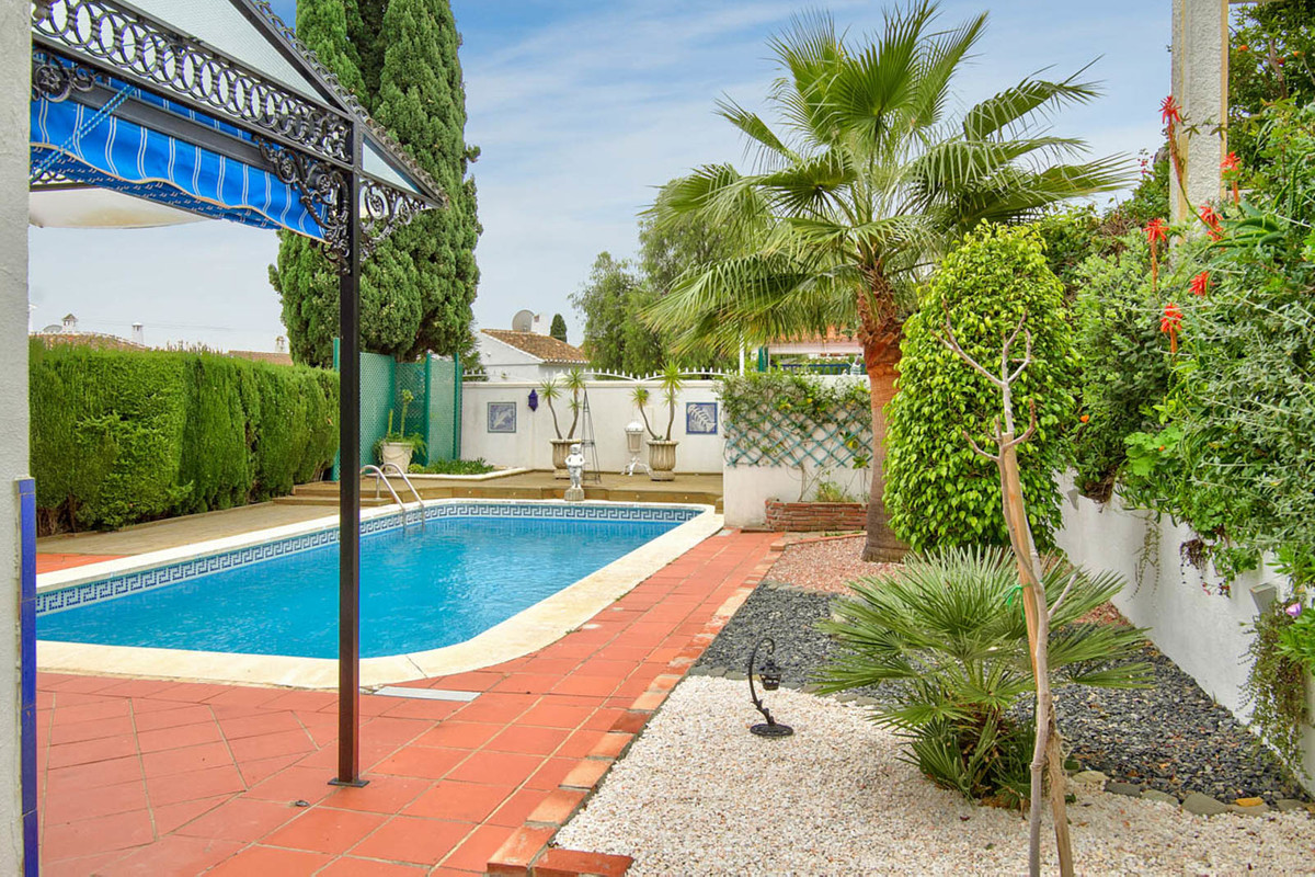 PRICE JUST REDUCED! Perfect location! An excellent, private and quiet villa located within a couple , Spain