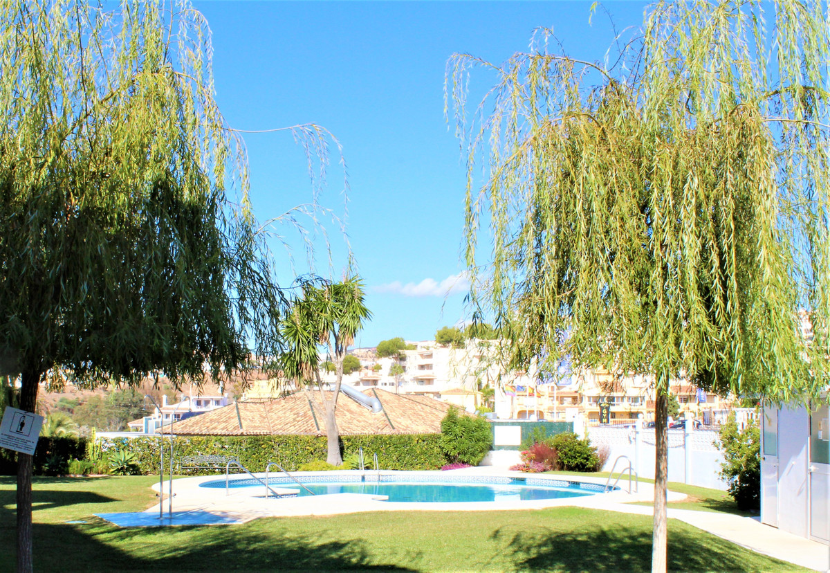 This charming 2 bedroom, 1 shower room apartment is all about location. It has been gently modernise, Spain