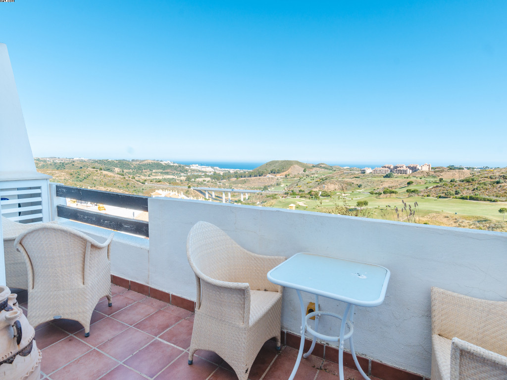 Calanova Gran Golf is a lovely development situated only few minutes drive to the village of La Cala, Spain