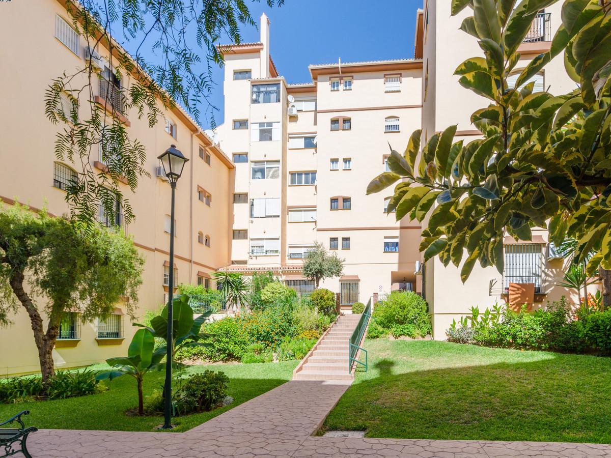 Appartement  Rez-de-chaussée en vente   à El Coto