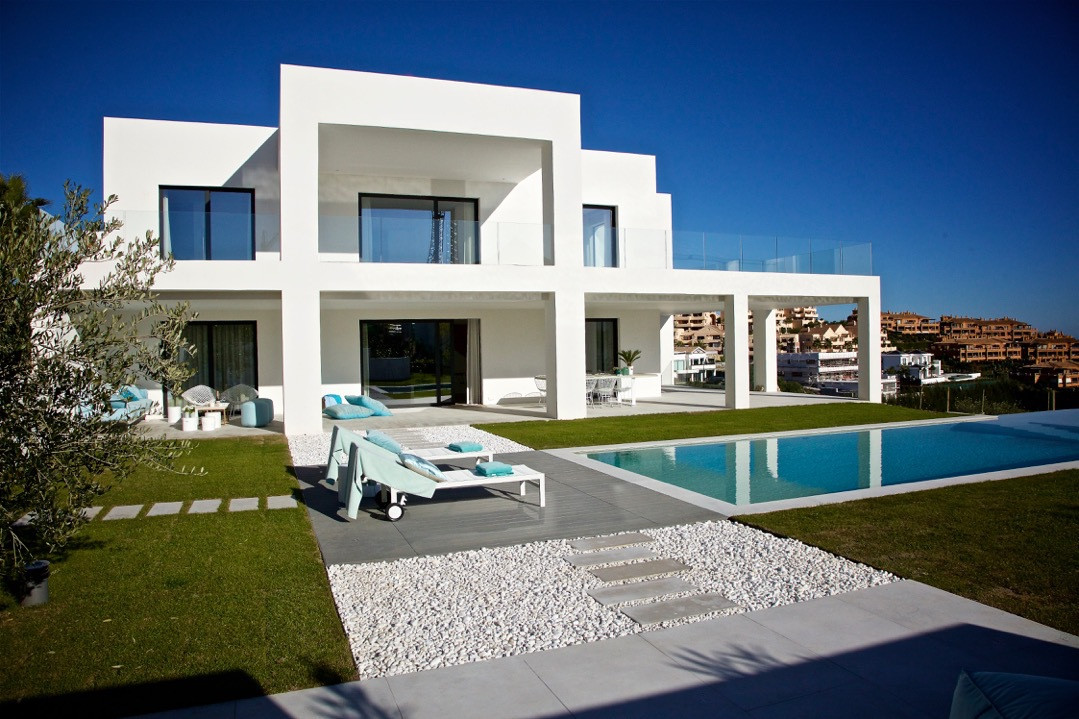 BEST DEAL ON THE COSTA DEL SOL UNDER 3.000.000 € ! A unique opportunity to enjoy a newly built 5 bed,Spain