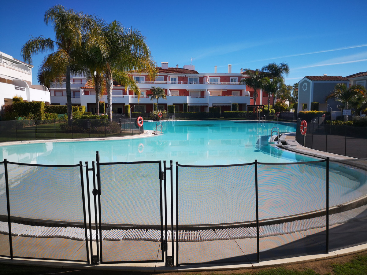 Luxury and modern 1 bed room topfloor apartment in toplocation on the New Golden Mile, Estepona Key ,Spain