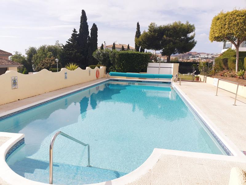 Marbella Banus Apartamento Planta Media a la venta en Mijas Costa – R3549592