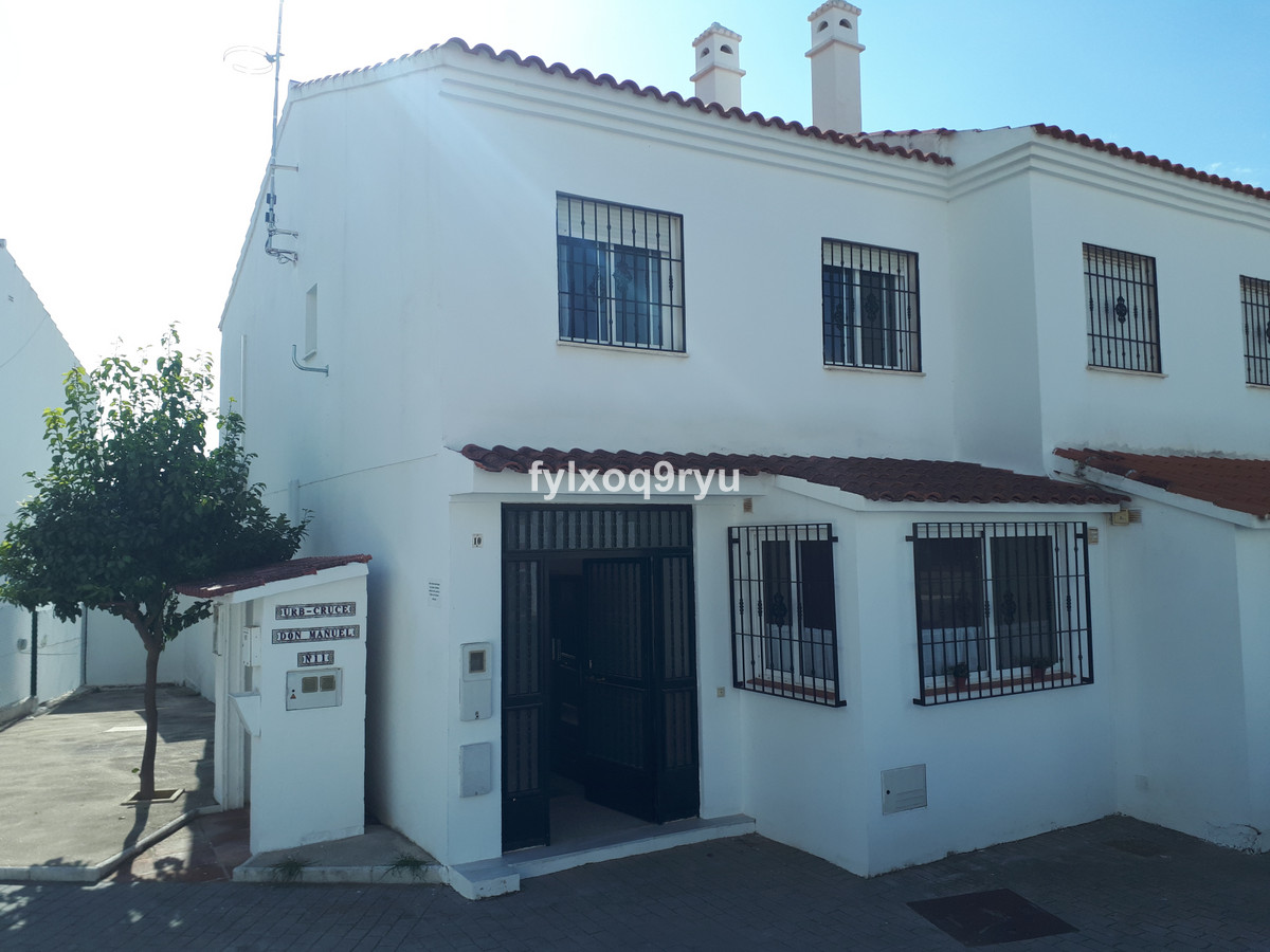 EXCLUSIVE WITH AXARQUIA REAL ESTATE  Semi-Detached House, Alcaucin, Costa del Sol East. 4 Bedrooms, , Spain