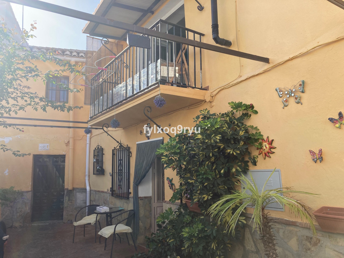 Ref:R3719783 House - Townhouse For Sale in Los Romanes
