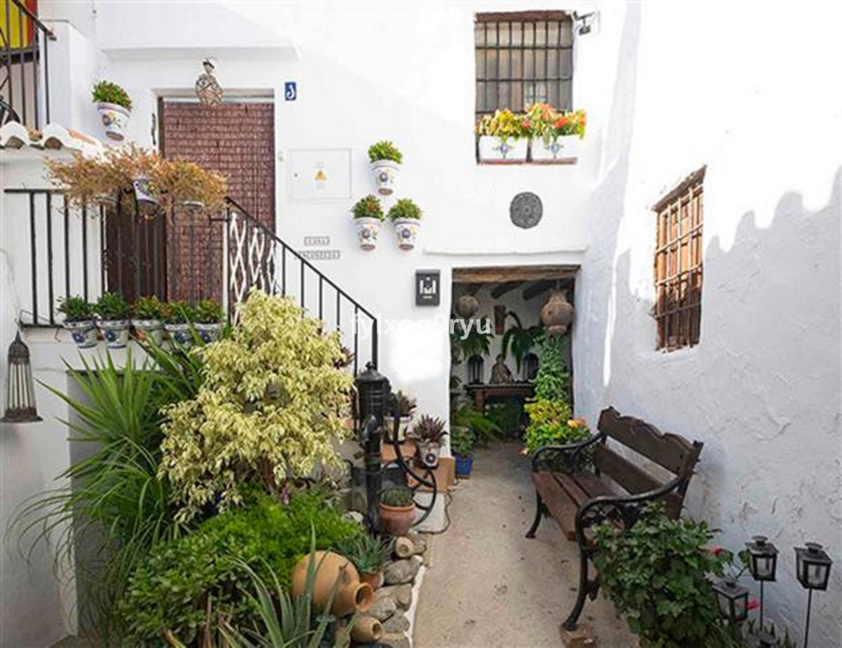 Ref:R3700283 House - Townhouse For Sale in Salares