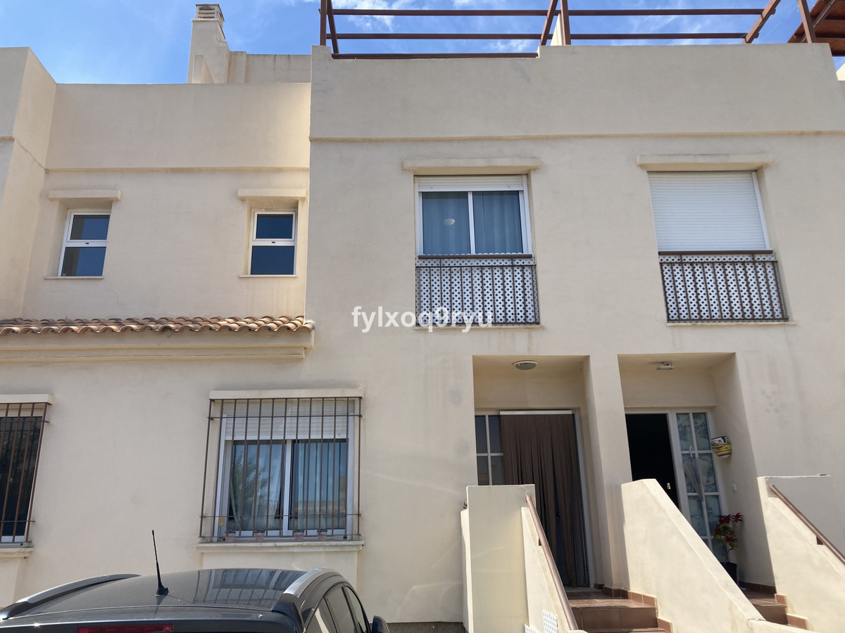 Townhouse, Valle-Niza, Costa del Sol East. 3 Bedrooms, 2 Bathrooms, Built 122 m², Garden/Plot 122 m², Spain