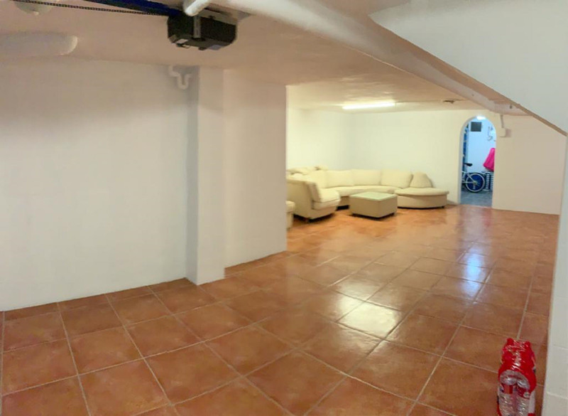 Adosada en venta en New Golden Mile – R3611972