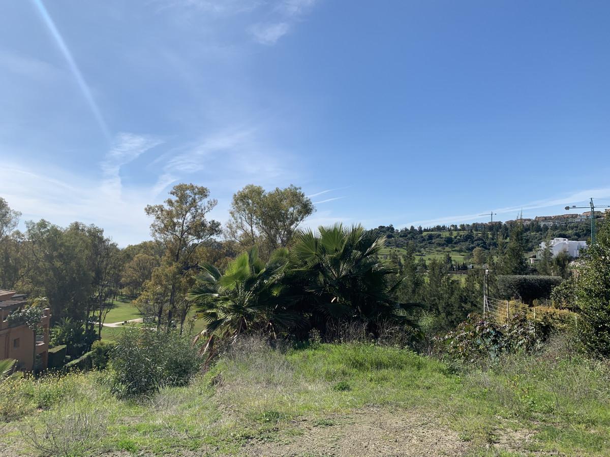 Residential Plot, Benahavis, Costa del Sol. Garden/Plot 1601 m². to buils 365 m2 ( edificability 0.2,Spain