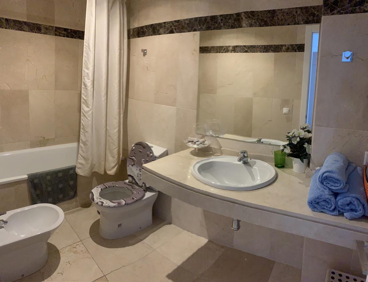 Apartamento en Venta en New Golden Mile – R3878677