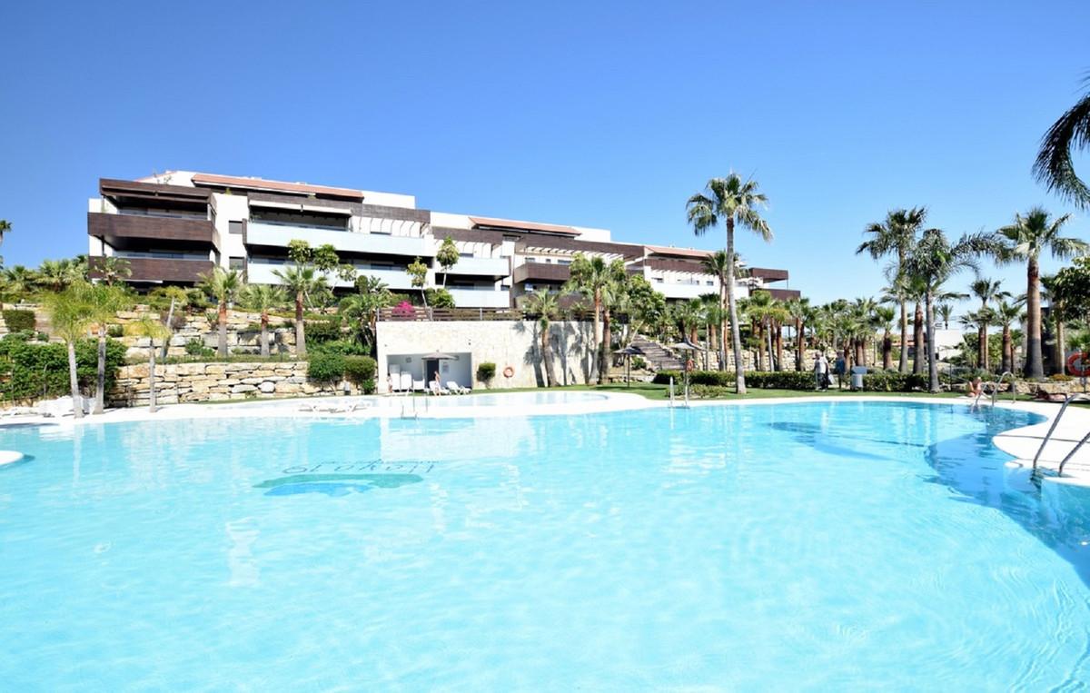 Apartamento Planta Media en Venta en Los Flamingos – R3612854