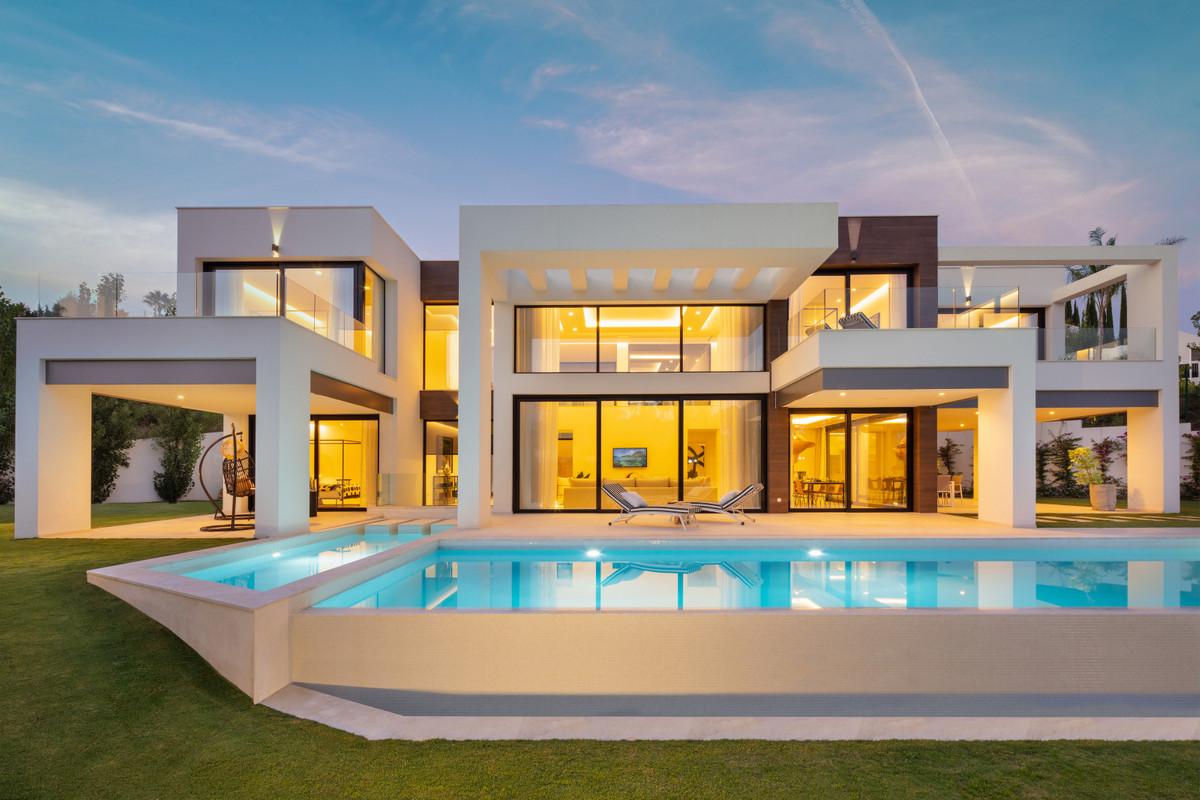 Marbella Banus Villa en Venta en Nueva Andalucía – R2978801