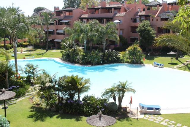 Marbella Banus Ático en venta en Guadalmina Baja – R2379473