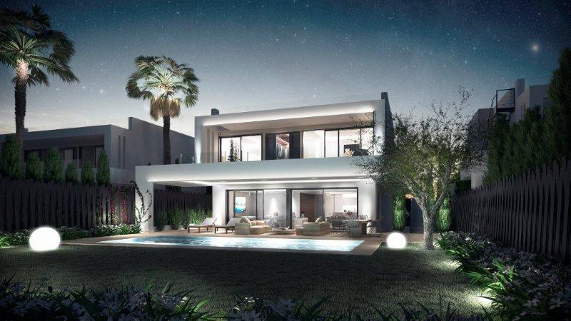 Detached Villa for sale in Marbella R3110803